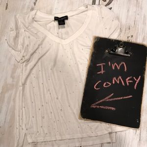 Tops - Stretch white Tee with holes
